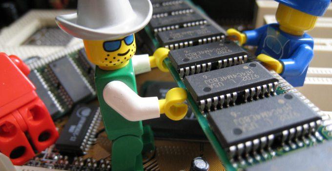 कंप्यूटर मेमोरी क्या है (Computer Memory And Its Types) और उनके प्रकार